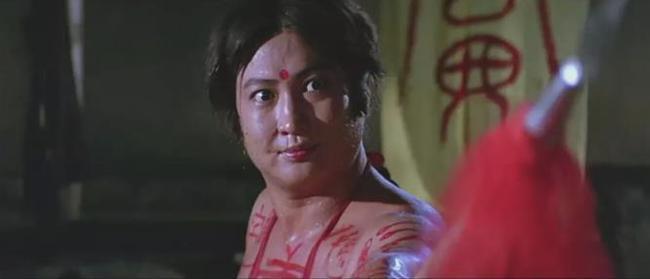洪金宝总是喜欢带着这个女徒弟在身边,《东方》,《皇家女将》