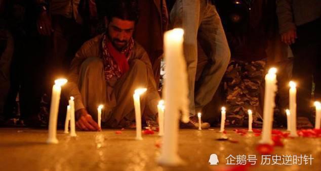 血洗学校逼学生看女老师被烧巴基斯坦塔利班为何如此嚣张