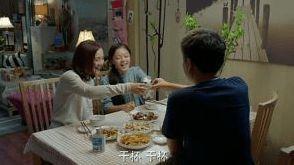 看得出来,吴佳妮是望女成凤的,所以她时刻激励孩子,在自己考取医师