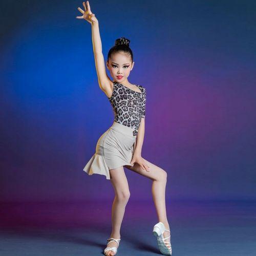 舞蹈大赛现代舞女生版