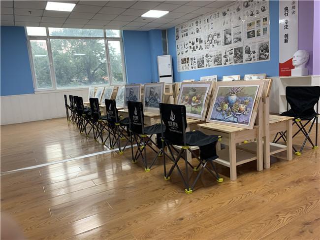 美术艺考集训画室哪个环境好济宁传承画室高三集训班